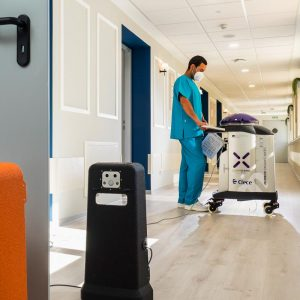 Robot desinfección Xenex Covid 19 en instalaciones